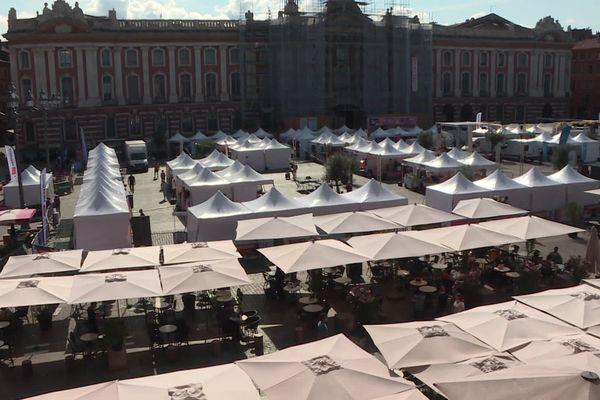 Le marché accueille ce week-end plus de 70 producteurs locaux d'Occitanie.