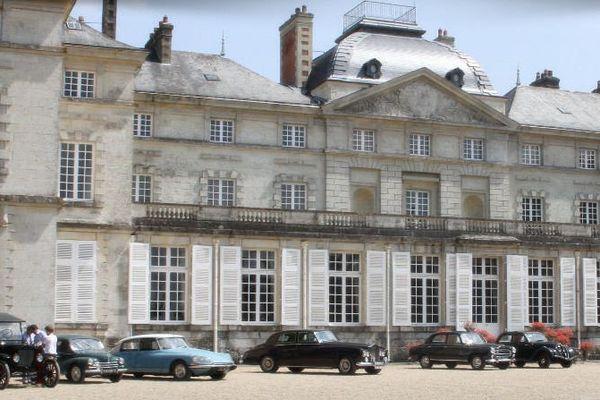 Le Château de Sourches, en Sarthe, est aussi réputé pour accueillir le concours international d'attelage de tradition