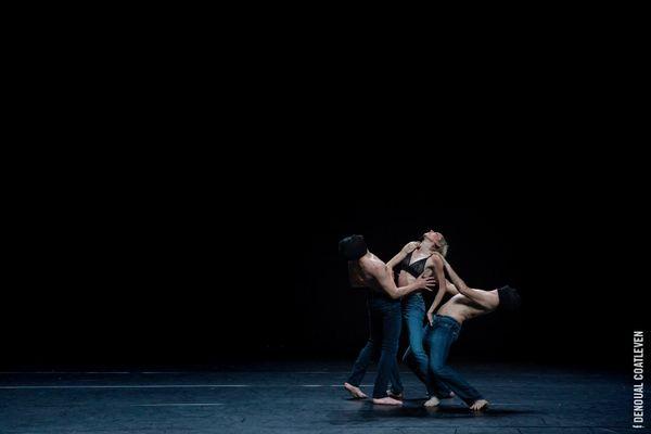 """Spectacle de danse au Printemps de Bourges, hommage à Bashung et Gainsbourg dans """"L'homme à la tête de chou"""""""