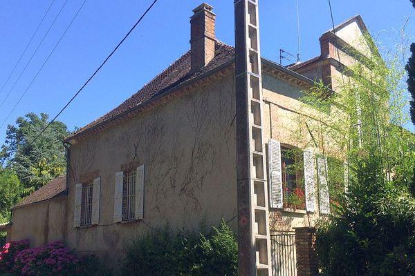 La maison de la victime à Saint-Sérotin, dans l'Yonne, où son corps a été découvert