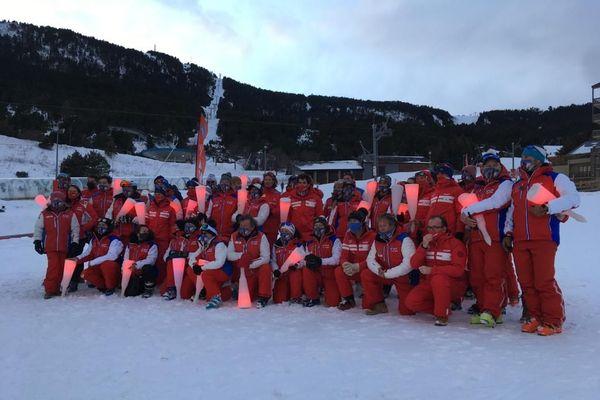 Les moniteurs de ski étaient mobilisés samedi.