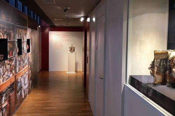 Des salles d'exposition lumineuses