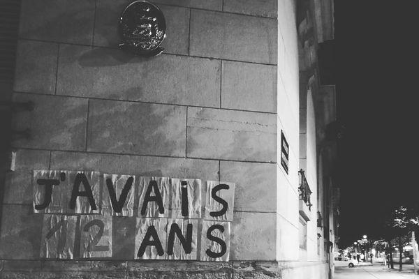 Des témoignages d'agression sexuelles ont été apposés dans les rues de Dijon dans la nuit du 19 au 20 juillet 2020.