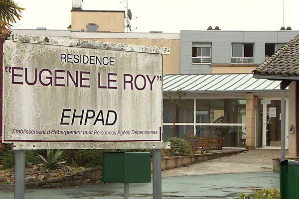 Dans cet ehpad de Montignac, en Dordogne, le coronavirus frappe durement les résidents et le personnel depuis début janvier.
