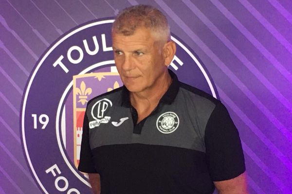 """""""Si je viens, c'est pour remonter"""" étaient les premiers mots du nouvel entraîneur du Toulouse Football club Patrice Garande : il a échoué, il est limogé."""