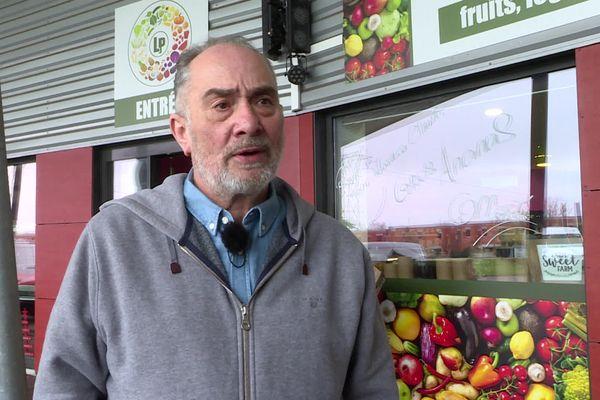 Patrick Lalanne, le patron de La Plage, qui régnait sur les nuits bordelaises, vend désormais des fruits et légumes à Ambarès-et-Lagrave.
