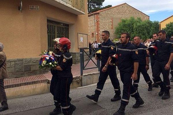 Pézilla-la-Rivière (Pyrénées-Orientales) - l'hommage des pompiers à leur collègue décédé et aux 3 pompiers blessés - 14 juillet 2016.