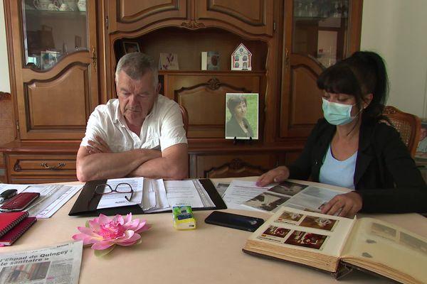 Le mari et la fille de la victime veulent comprendre ce qui s'est passé.