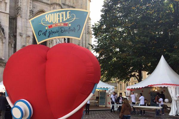 Une grande opération de dépistage des souffles au coeur a eu lieu sur le parvis de la cathédrale de Rouen ce samedi 30 septembre 2017.