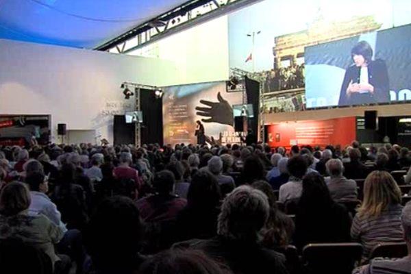 2500 personnes sont venues assister au concours international de plaidoiries des avocats au Mémorial de Caen