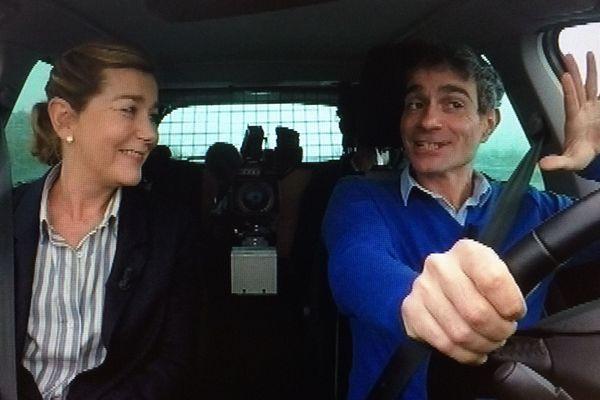 Richard Beaune et Valérie Mathieu, toujours au volant de la Pilsmobile pour découvrir l'actualité culturelle en Auvergne.