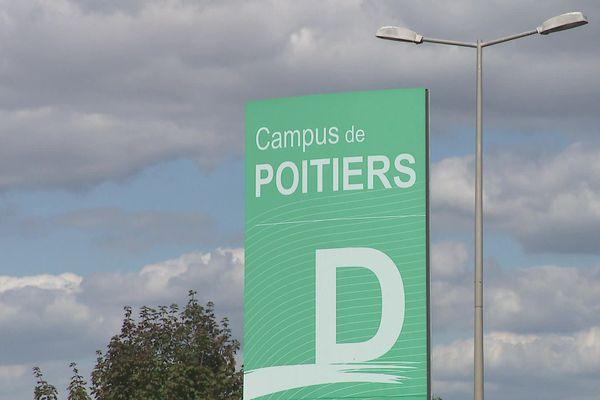 L'université de Poitiers accueille près de 29.000 étudiants ce qui représente 21% de la population globale de la ville.