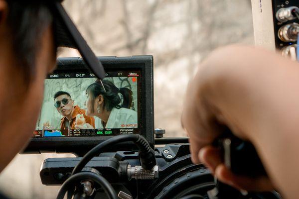 Les courts-métrages seront projetés aux Cinéastes une fois la période de confinement terminée.