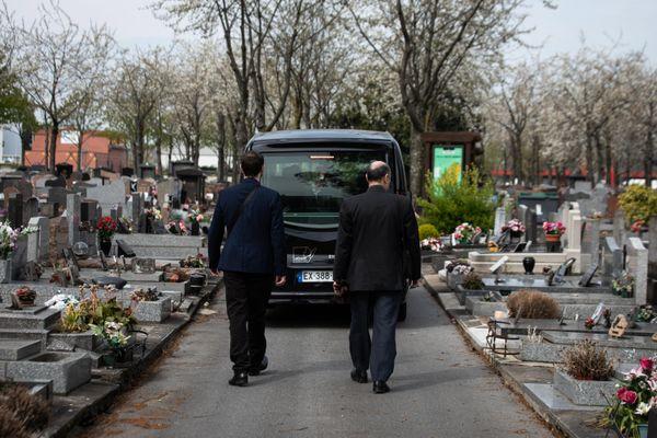 """L'association """"Vivre son Deuil"""" aide les familles à se reconstruire après la perte d'un proche."""