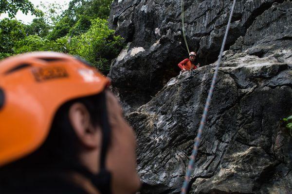 Les 3 alpinistes birmans à l'entraînement.