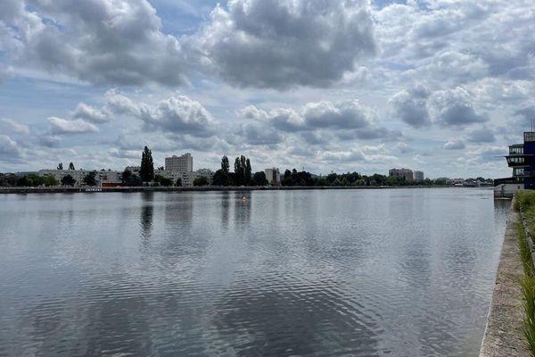 Le lac d'Allier à Vichy retrouve son aspect habituel