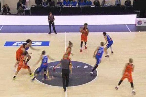 Les basketteuses de Bourges jouent ce soir à Lyon