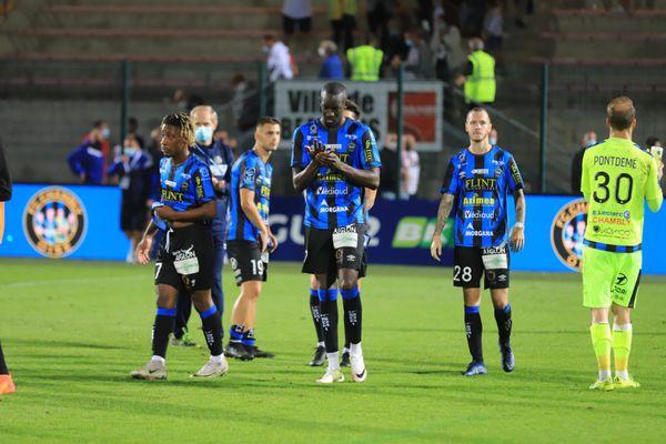 Les joueurs du FC Chambly après leur défaite face à Grenoble lors de la 3e journée de Ligue 2 samedi 12 septembre 2020