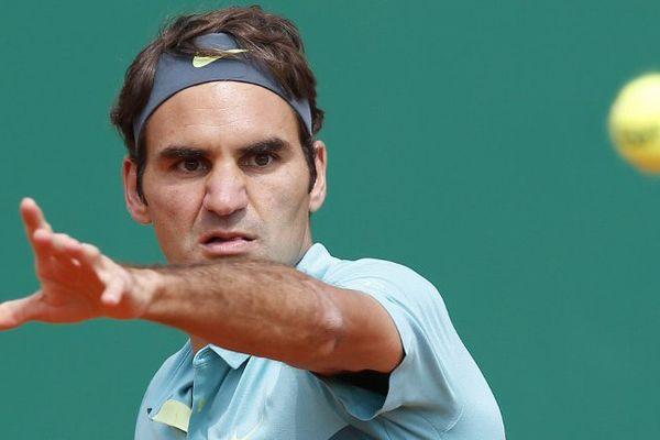 Gaël Monfils élimine Roger Federer en huitième de finale à Monte-Carlo.