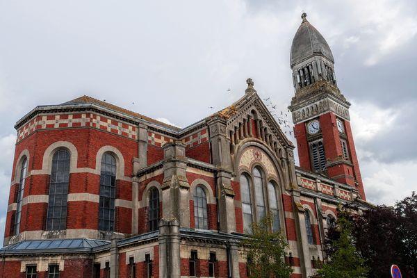 La rénovation de l'édifice devrait coûter près d'un million d'euros.