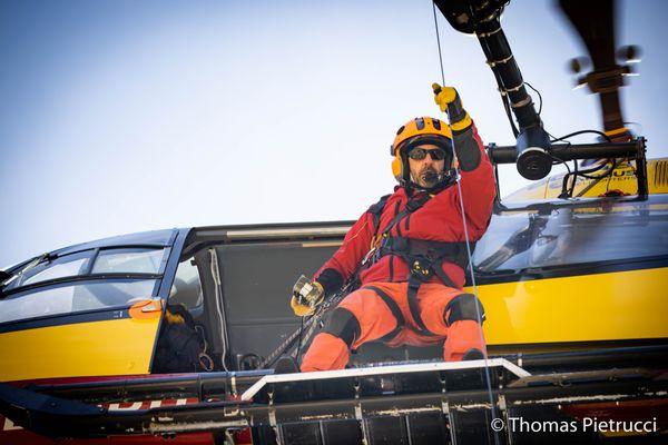 Pierre-François Bonnard, mécanicien de la Sécurité civile, est décédé dans le crash d'un hélicoptère le 12 septembre 2021 en Isère.