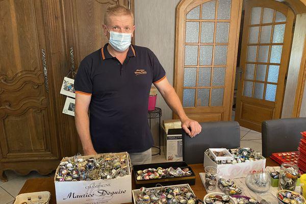 Denis Hubschwerlin possède 32 000 capsules de champagne