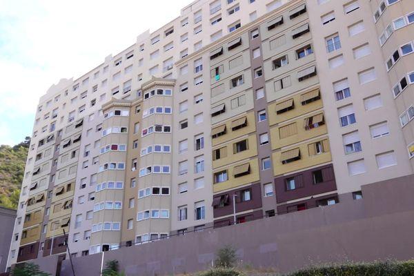 Une locataire de cet immeuble sera expulsée car son fils a été condamné à 20 moi de détention pour trafic de stupéfiants.