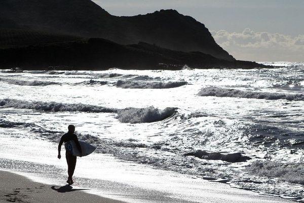 Une pétition en ligne « Contre le réseau à Capo di Feno » a été lancée le 22 septembre dernier. Elle réclame l'abandon du projet d'installation d'une antenne téléphonique à quelques mètres du littoral.