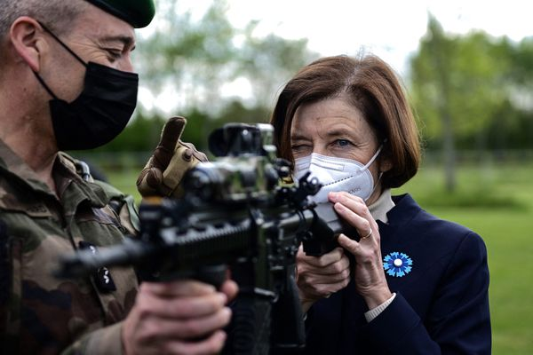 La ministre de de la Défense et des Armées, Florence Parly, lors d'une visite d'un camp militaire, le 7 mai 2021.