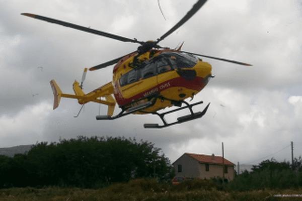 L'hélicoptère Dragon 2b de la Sécurité Civile.