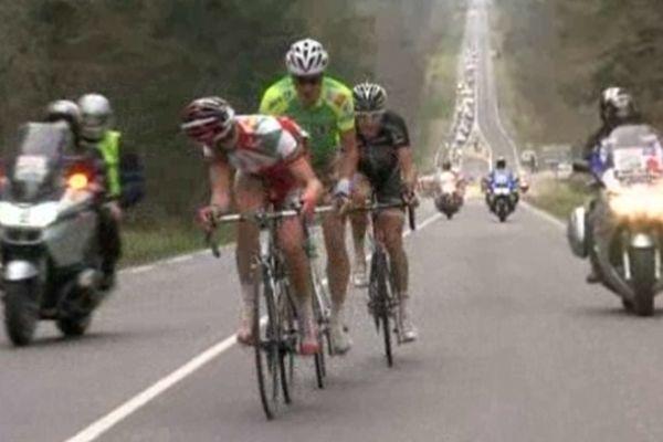 Des concurrents lors de l'édition 2012 du tour de Normandie cycliste.