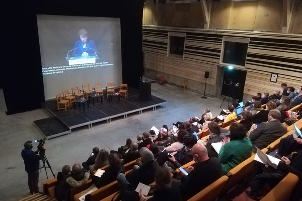 La ministre de a culture, Roselyne Bachelot, vue au SEW-Morlaix, en direct depuis Avignon