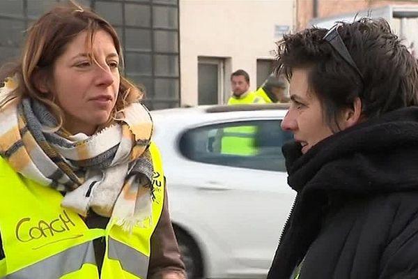 Calme mais déterminée, Julie Mura est l'une des responsables du mouvement des gilets jaunes en Lozère.