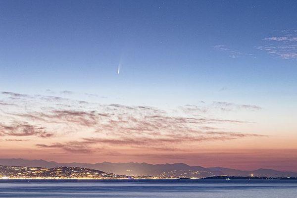 La comète Neowise est visible à l'œil nu depuis la Côte d'Azur.