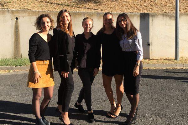 """Llona, Clémence, Romane, Maelle et Sarah organisent une compétition locale qui rentre dans le cadre de l'événement national """"le green de l'espoir"""". Un sacré challenge pour ces étudiantes en deuxième année d'IUT de Carcassonne !"""