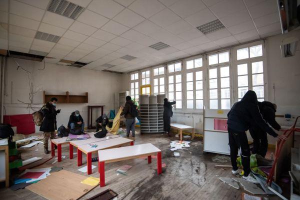 L'ancienne école maternelle occupée dimanche par les demandeurs d'asile et les associations, située dans le XVIe arrondissement de Paris.