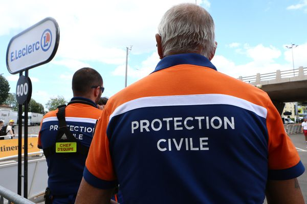 En France, la Protection civile fédère 99 associations, soit un immense réseau de 32 000 bénévoles