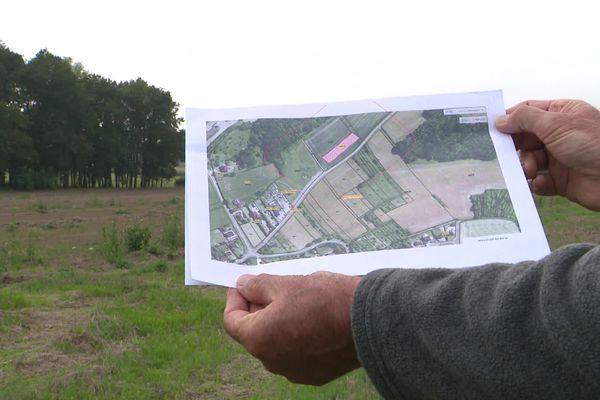 Un poulailler industriel pourrait s'implanter prochainement à Neuvy-Sautour (Yonne). Des riverains se mobilisent pour faire entendre leur opposition au projet.