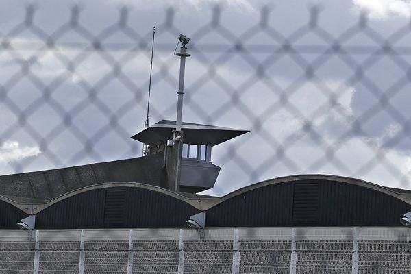 Prison de Fleury-Mérogis, au sud de Paris, vue de l'extérieur