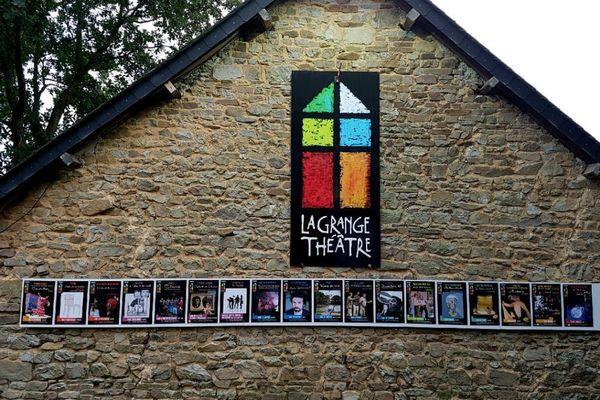La Grange-Théâtre existe à Thourie depuis 2003