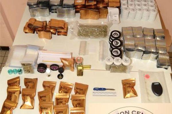 Le cannabis et le matériel saisis par les policiers tarnais au domicile de plusieurs revendeurs