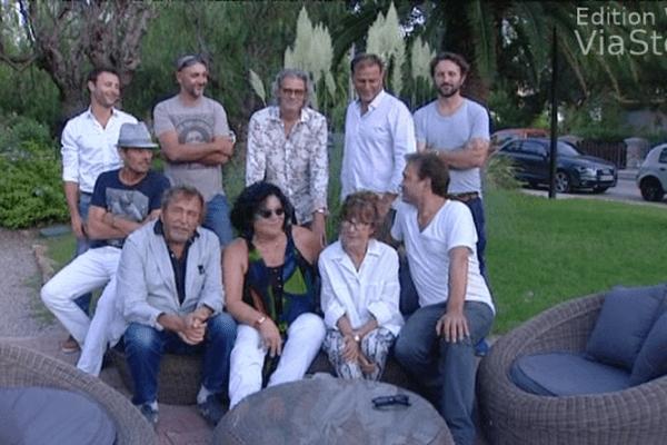 L'équipe du téléfilm les Disparus, en Corse.