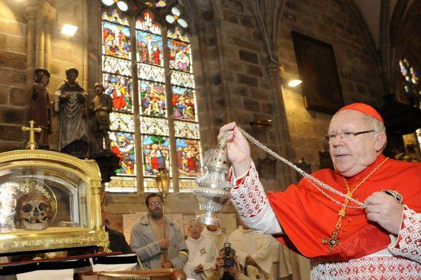 Le Cardinal Jean-Pierre Ricard, Archevêque de Bordeaux, n'a pas ouvert d'enquête canonique sur les agissements du père Peyrous.