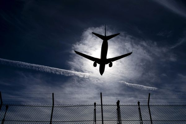 Un avion en phase d'atterrissage à l'aéroport d'Orly (illustration).