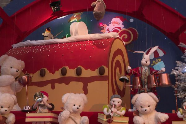 Cette année, les lutins et les animaux ont ourdi une farce au Père Noël