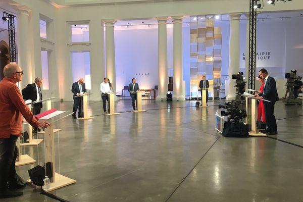Mercredi 2 juin, les sept têtes de liste des élections régionales dans les Hauts-de-France ont débattu pendant 110 minutes en direct de l'atrium du Palais des Beaux-Arts de Lille.