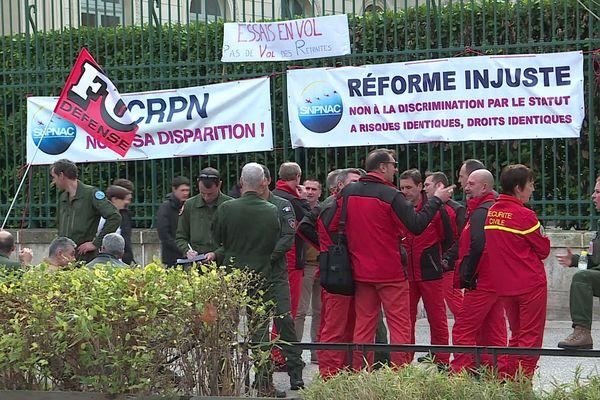 Ils sont une cinquantaine devant la préfecture de Nîmes - 10 février 2020