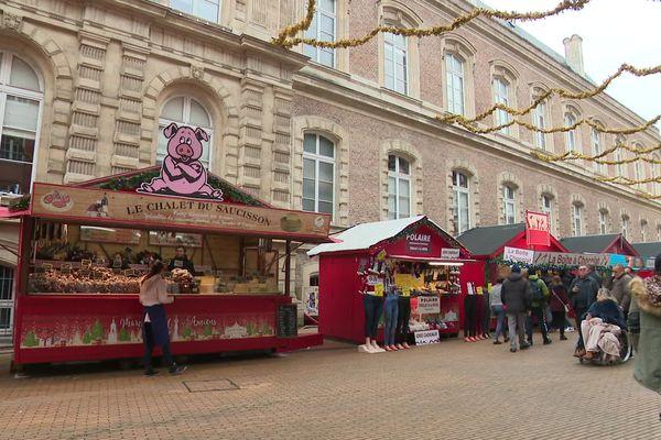 Le marché de Noël comporte 130 stands.