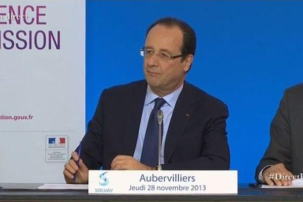 Le Chef de l'Etat était à Aubervilliers pour parler emploi. Au programme : une table ronde et la signature de contrats de génération.