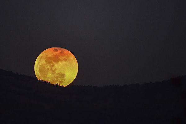 Vendredi 27 juillet 2018, la plus longue éclipse lunaire du siècle se produira sous nos yeux.